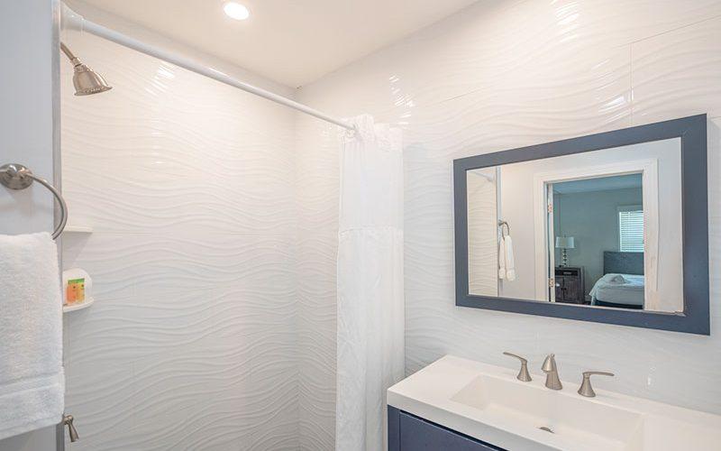 Room10-bathroom-web-1