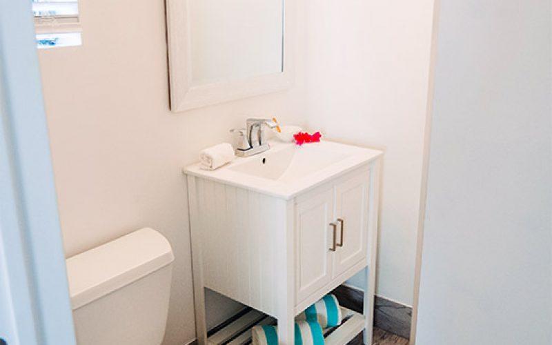 Room8-Bathroom-1