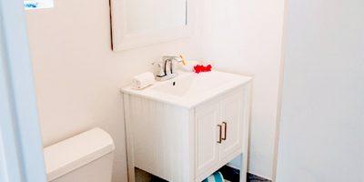 Room8-Bathroom-1-web