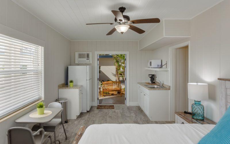 Seascape-Hotel-Resort-room7_ph_1_1-Medium