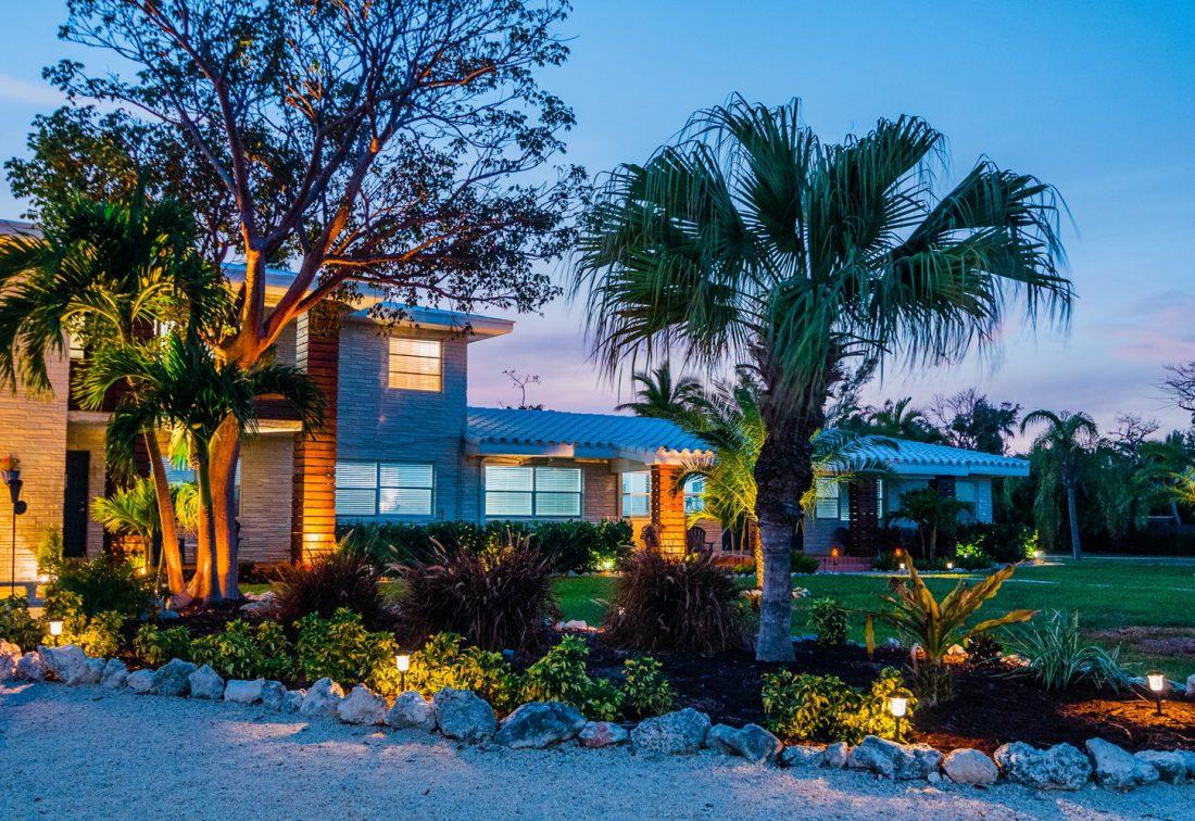Seascape-Resort-Marina-Ted-Phone-93-1500x996